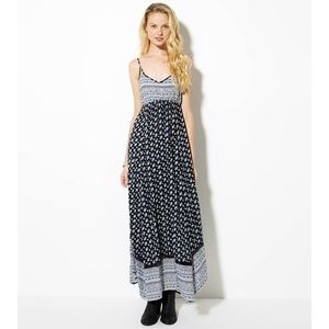 AE V-neck Maxi Dress